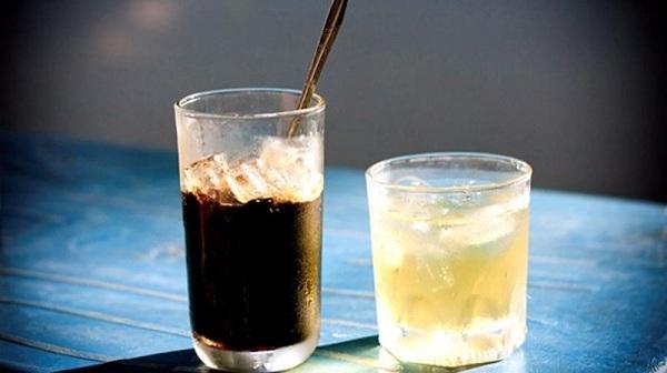 Làm gì để cứu cơ thể khi 'say' cà phê?