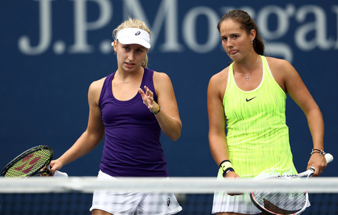 """""""Đỏ mặt"""" Australian Open: Hai mỹ nhân rỗi việc vật nhau lộ cả vòng 3 1"""