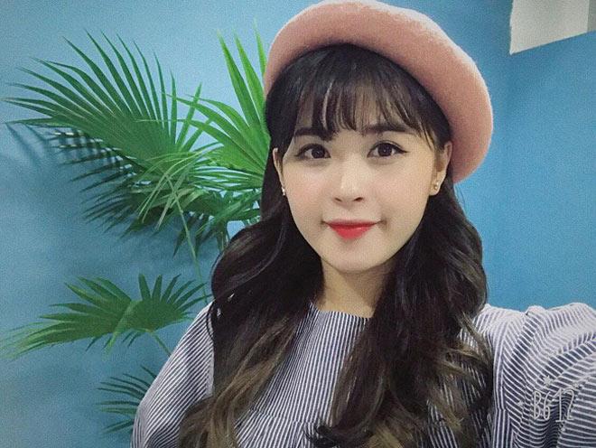 Dàn bạn gái xinh như mộng, sành điệu của cầu thủ U23 Việt Nam - 7