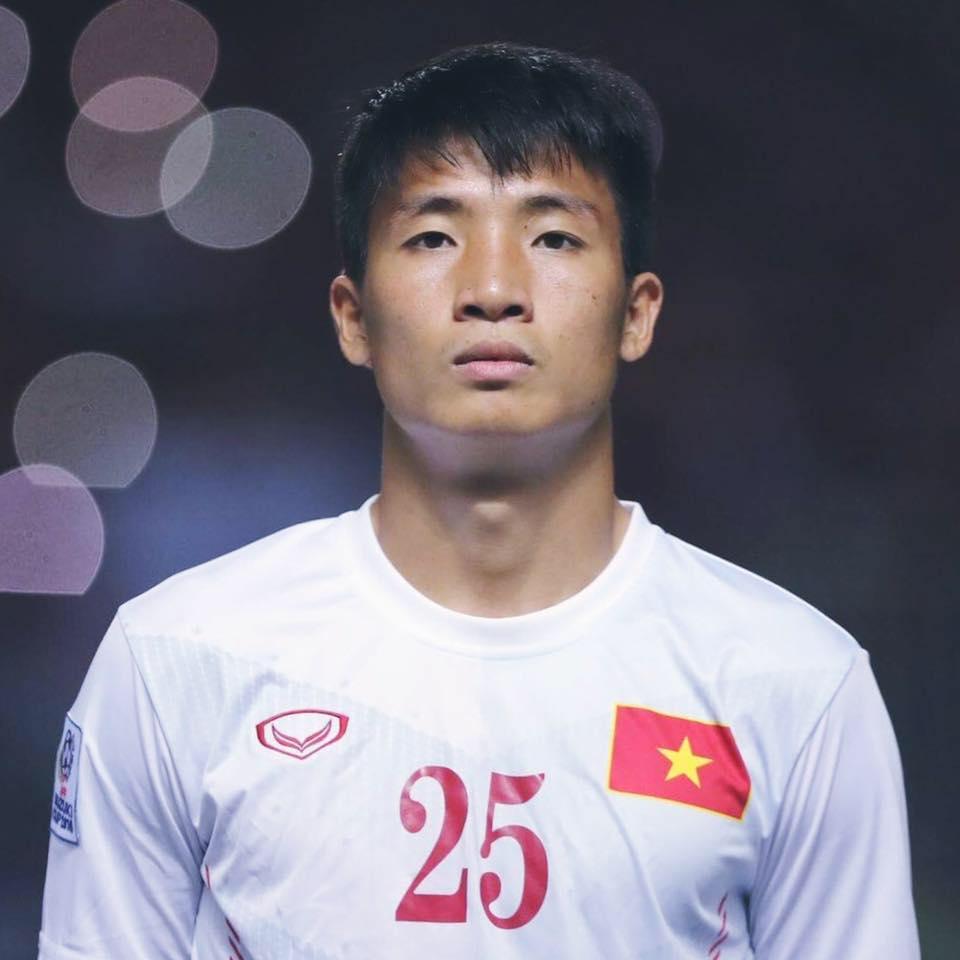 """Vẻ nam tính của """"trung vệ U23 cởi áo khoe bụng"""" Bùi Tiến Dũng - 9"""