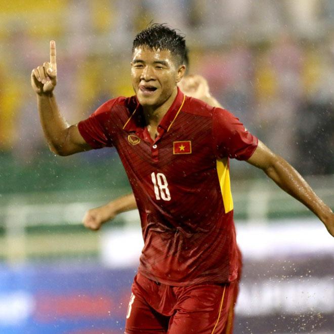 Hà Đức Chinh U23 Việt Nam vạm vỡ không kém Bùi Tiến Dũng