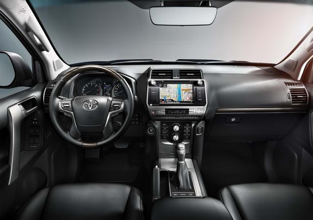 Toyota Land Cruiser Prado 2018 có giá từ 1 tỷ đồng - 3