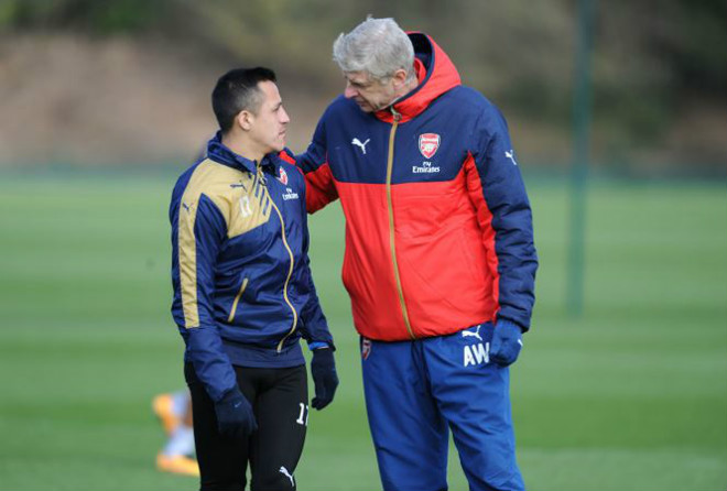 Sanchez đến MU: Đã có mặt ở Carrington, HLV Sir Alex Ferguson ra đón 3