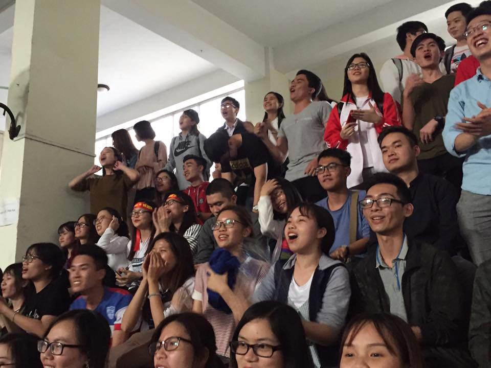 U23 Việt Nam đánh bại U23 Qatar, người hâm mộ vỡ òa sung sướng - 23