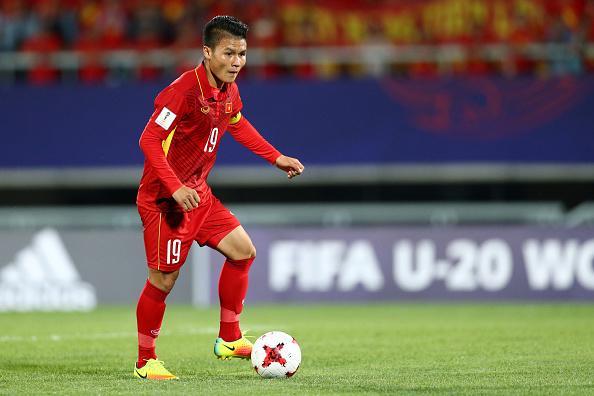 Dũng mãnh trên sân cỏ là thế nhưng Quang Hải U23 Việt Nam có lúc điệu bất ngờ