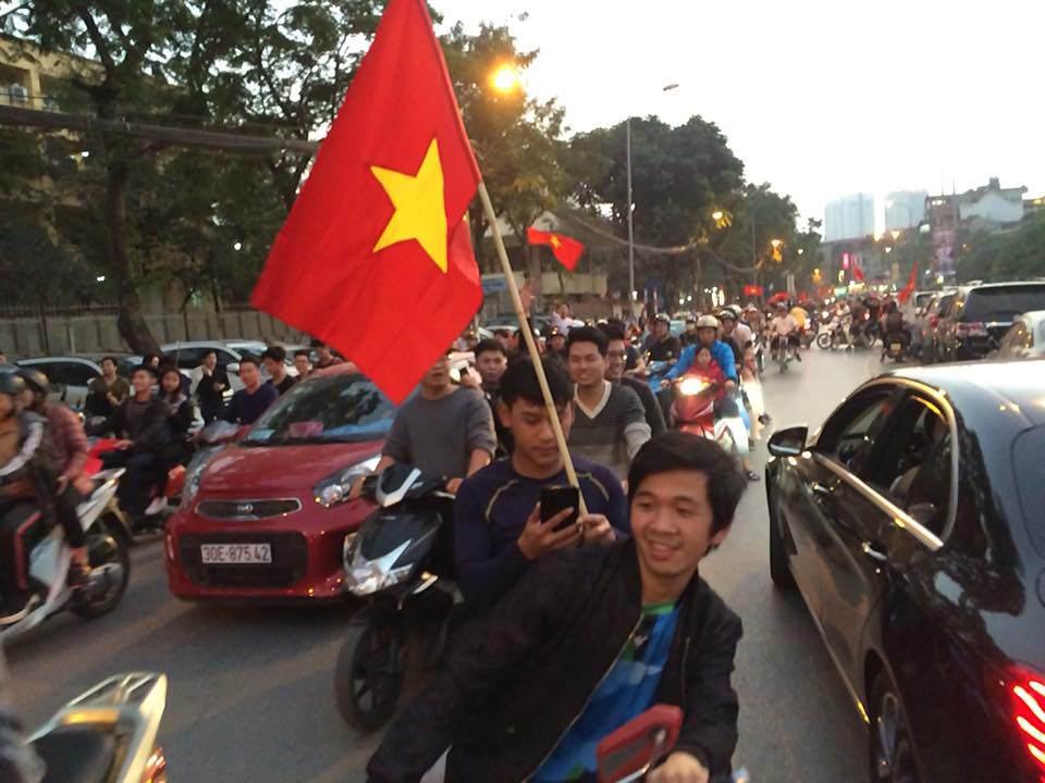 U23 Việt Nam lập kì tích, hàng triệu con tim không ngủ - 28