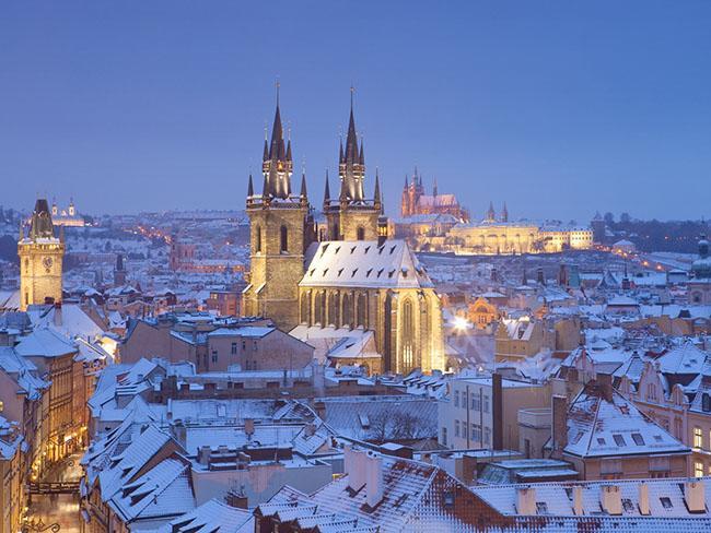 Những lâu đài phủ đầy tuyết lãng mạn nhất thế giới - 5