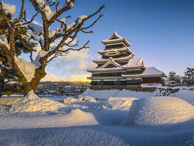 Những lâu đài phủ đầy tuyết lãng mạn nhất thế giới - 3
