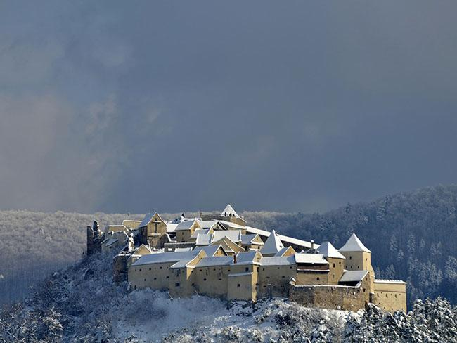 Những lâu đài phủ đầy tuyết lãng mạn nhất thế giới - 10