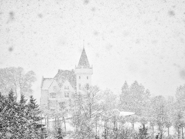 Những lâu đài phủ đầy tuyết lãng mạn nhất thế giới - 7