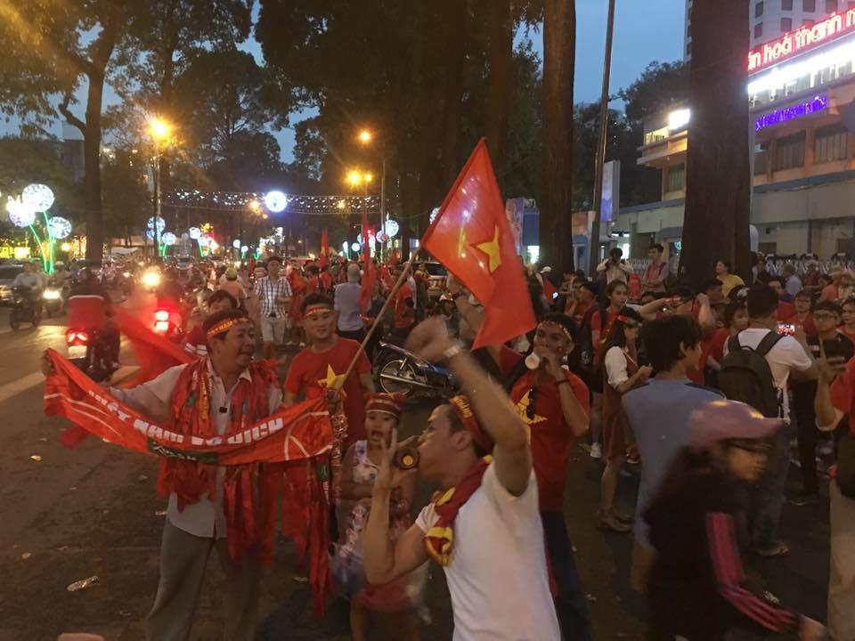 U23 Việt Nam lập kì tích, hàng triệu con tim không ngủ - 32