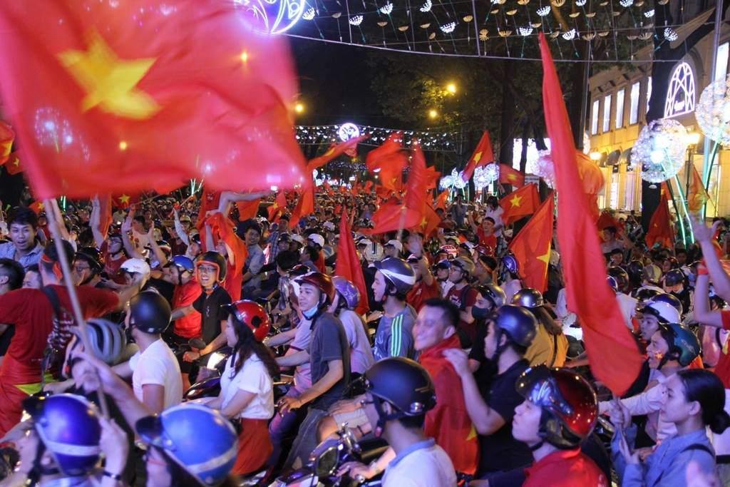 U23 Việt Nam lập kì tích, hàng triệu con tim không ngủ - 37