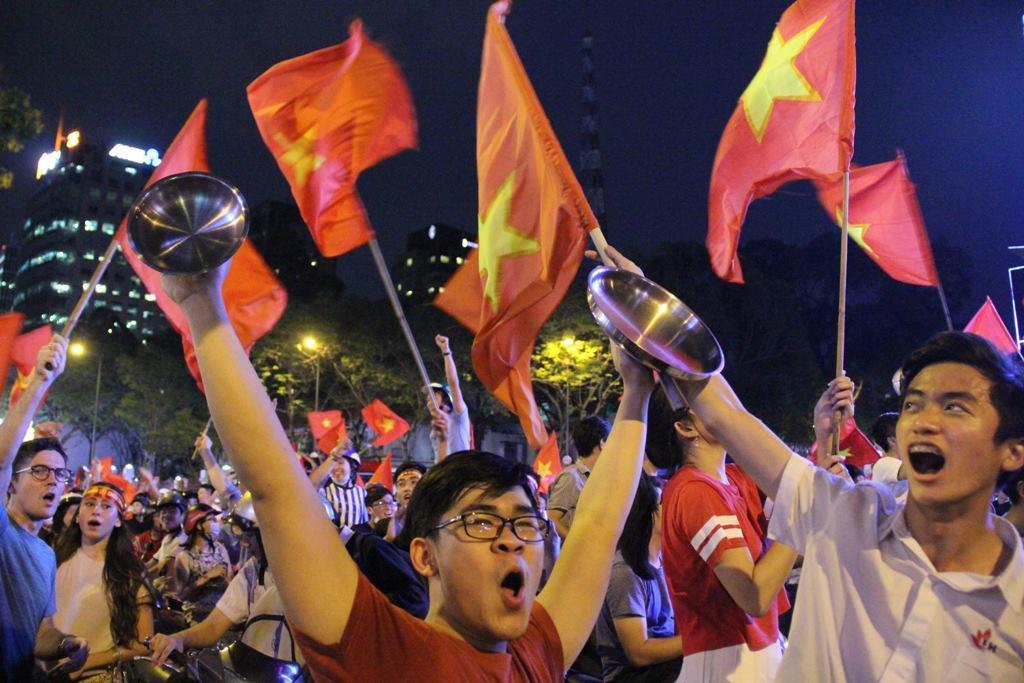 U23 Việt Nam lập kì tích, hàng triệu con tim không ngủ - 40