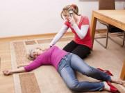 """Nếu không muốn là """"gánh nặng"""" cho gia đình vì bệnh đột quỵ, thử ngay cách này."""