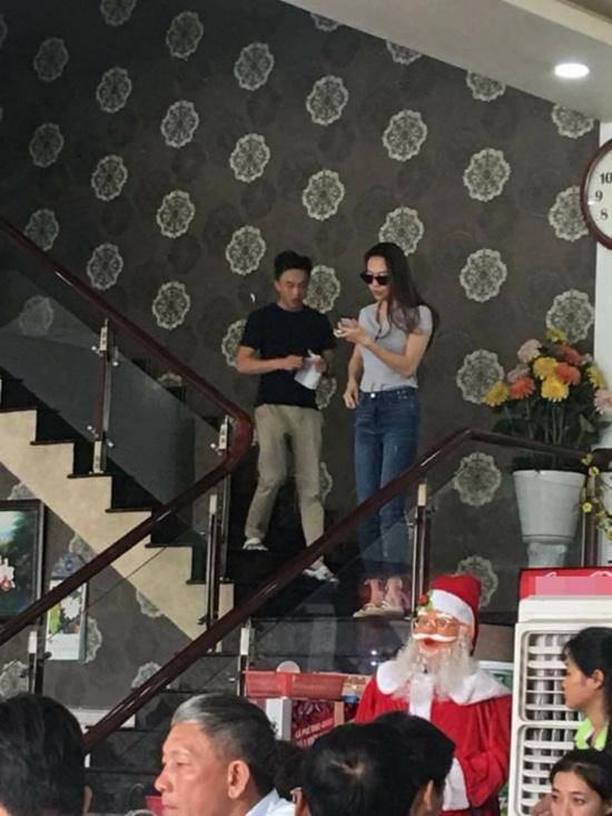 Cường Đô La và Đàm Thu Trang du lịch cùng hội chơi siêu xe