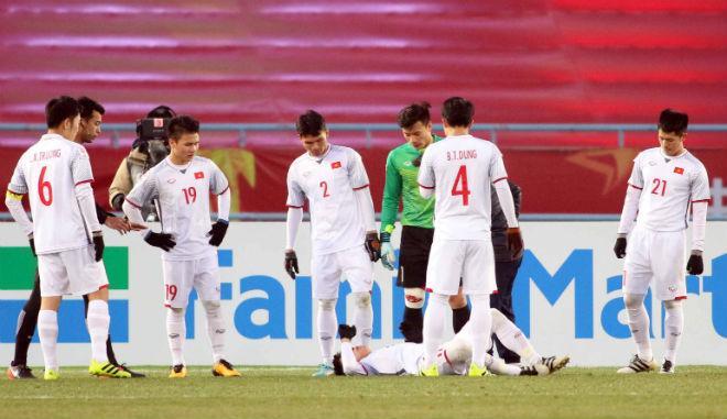 Cầu thủ U23 Việt Nam đổ máu, kiệt sức giật vé chung kết lịch sử - 1