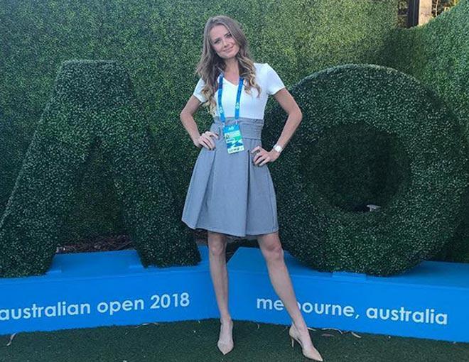 """""""Tiên nữ"""" đẹp nhất Australian Open: Sharapova, Bouchard phải tủi hờn - 2"""