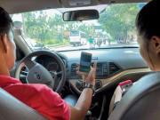 Tài chính - Bất động sản - Tài xế Grab, Uber than khó dịp cuối năm