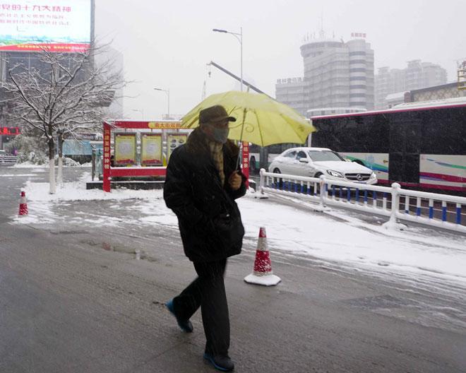 Ngắm tuyết rơi tuyệt đẹp ở Thường Châu trước trận chung kết U23 VN - U23 Uzbekistan - 11