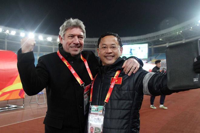 """""""Điệp viên siêu hạng"""" của U23 Việt Nam: Có chiêu giải mã Uzbekistan"""