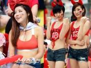 """Thời trang - Cổ động viên Hàn Quốc xinh đẹp mặc """"mát mẻ"""" đi xem bóng đá"""