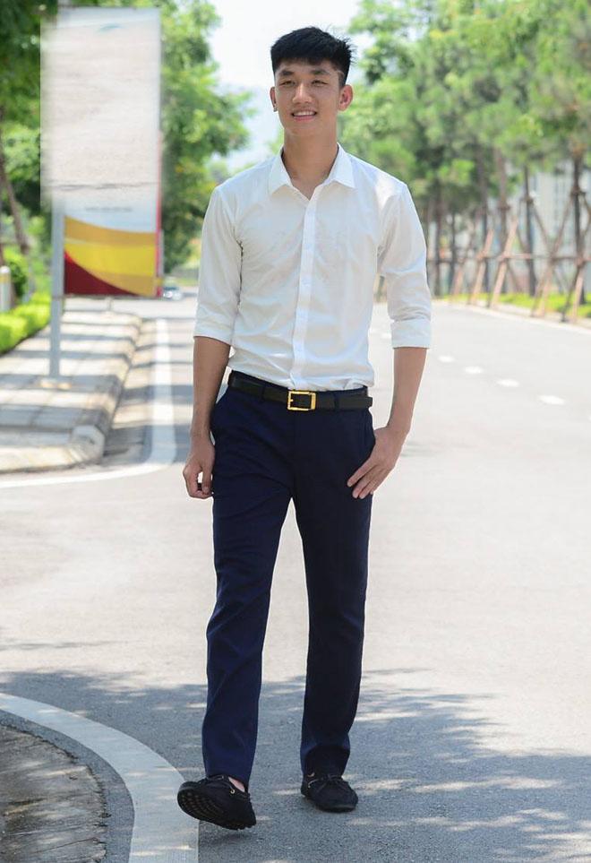 Hot boy U23 VN - Duy Mạnh, Trọng Đại mặc sơ mi quá điển trai