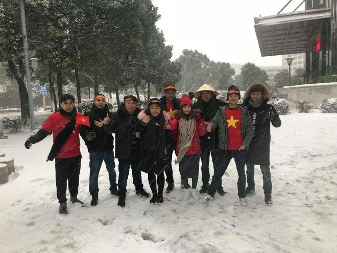 Tuyết trắng trời Thường Châu, Việt Nam rực lửa cổ vũ U23 đá chung kết - 27