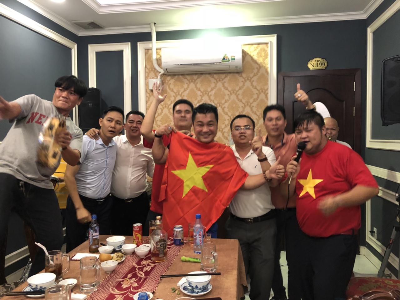 U23 Việt Nam vuột chức vô địch và phản ứng bất ngờ của sao Việt - 7