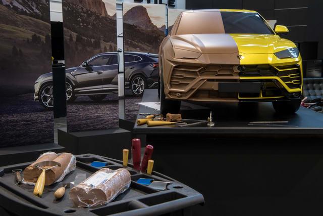 Những trang bị trên Lamborghini Urus sắp về Việt Nam - 2