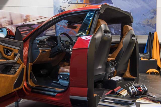 Những trang bị trên Lamborghini Urus sắp về Việt Nam - 9