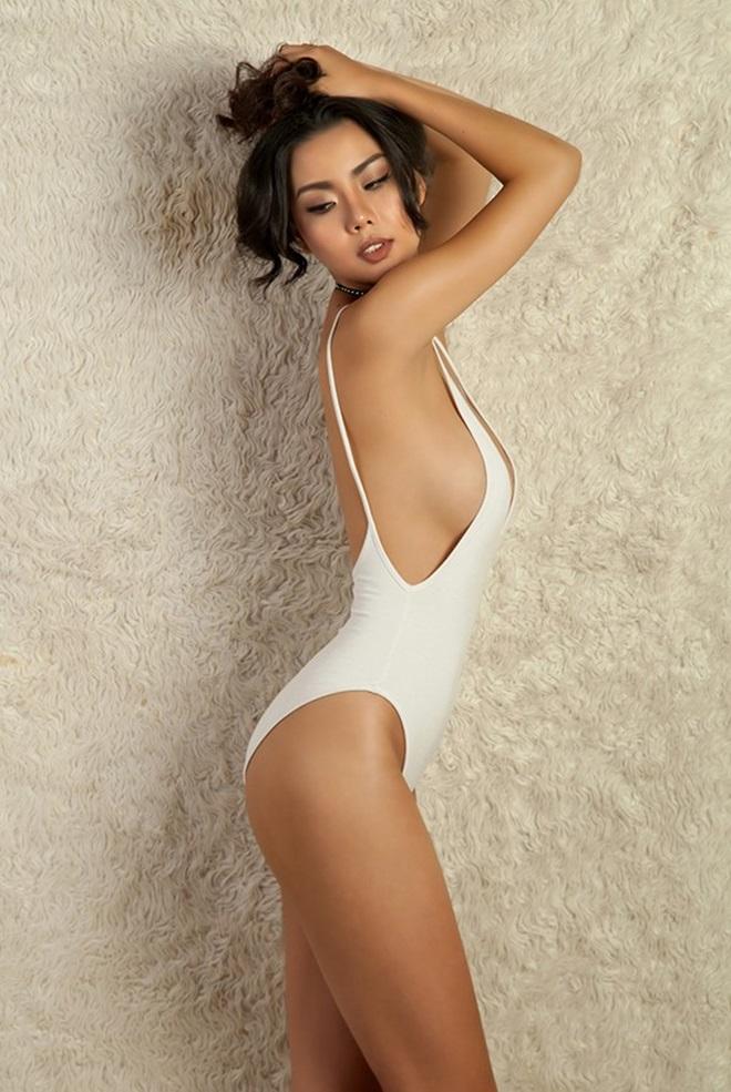 NTK sốc khi bộ sưu tập bikini được dùng trên chuyến bay đón U23 Việt Nam - 6