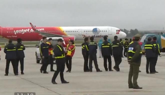 Trực tiếp U23 Việt Nam về nước 28/1: Chuyên cơ đã hạ cánh, CĐV sung sướng chờ đón - 1