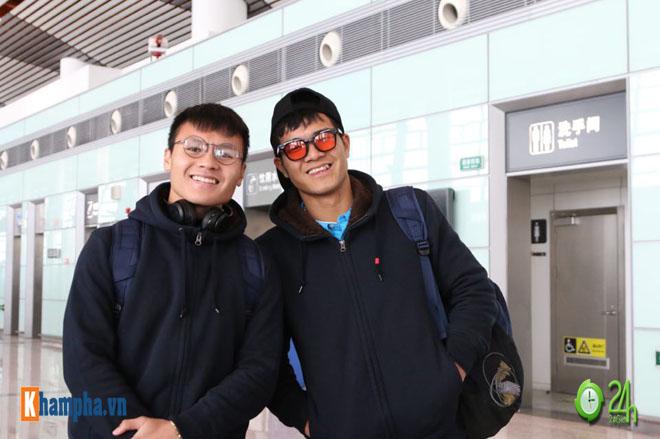 Trực tiếp U23 Việt Nam về nước 28/1: Chuyên cơ đã hạ cánh, CĐV sung sướng chờ đón - 10