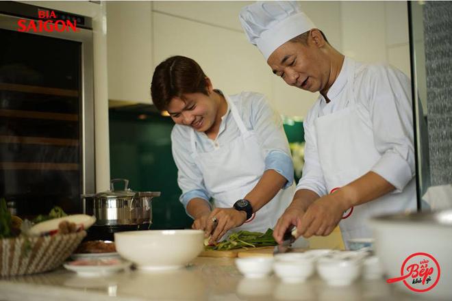 """NS Nguyễn Văn Chung sáng tác ca khúc chủ đề chương trình """"Vào bếp khó gì"""" - 1"""