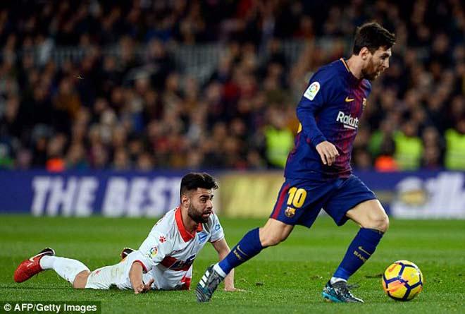 Barcelona - Alaves: Đòn kết liễu từ siêu phẩm đá phạt - 1