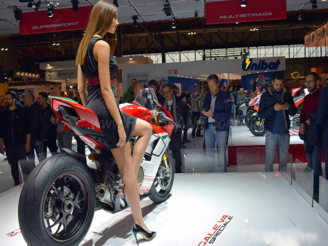 Ducati Panigale V4 mở đơn hàng cực hiếm, giá 732 triệu đồng