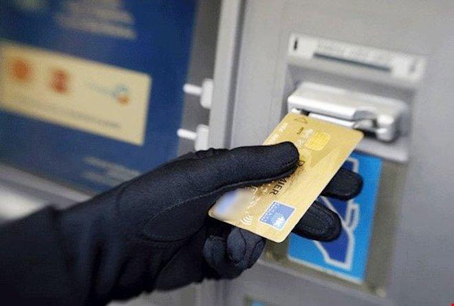 Bộ Công an cảnh báo nạn trộm cắp thông tin tài khoản ngân hàng - 1
