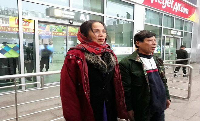 U23 Việt Nam về quê: Văn Đức, Công Phượng choáng ngợp vì CĐV 11