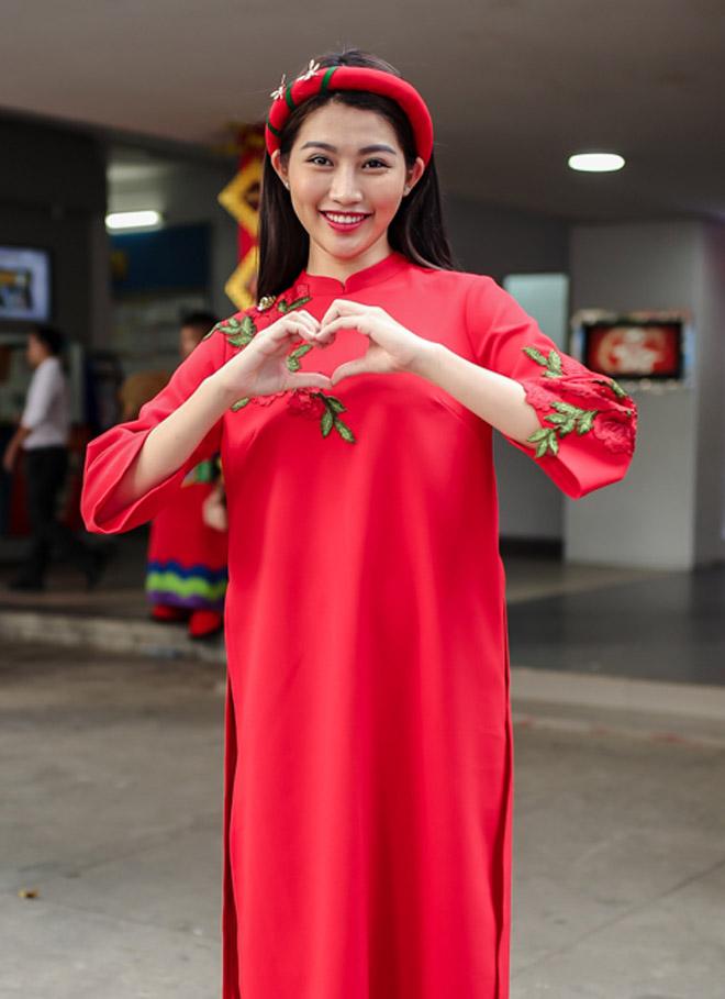Hà Hồ tươi rói trước thông tin sắp cưới Kim Lý - 9