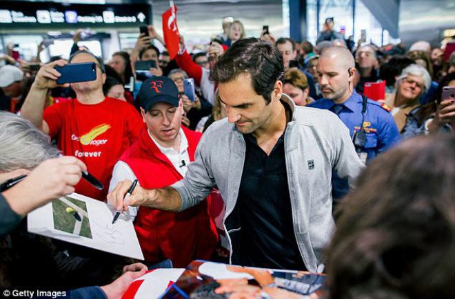 """Federer khoe Grand Slam thứ 20: """"Vinh quy bái tổ"""" giữa vòng vây người hâm mộ 3"""