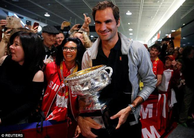 """Federer khoe Grand Slam thứ 20: """"Vinh quy bái tổ"""" giữa vòng vây người hâm mộ 1"""