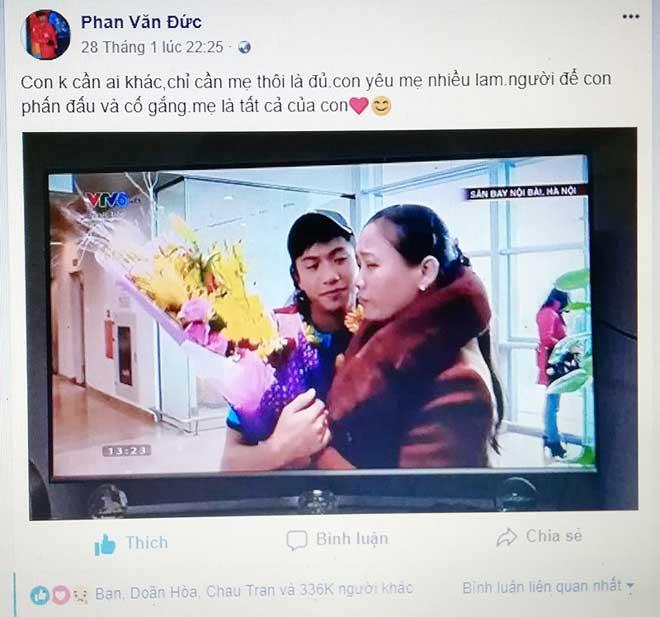 Mẹ cầu thủ Văn Đức nói về clip Đức ôm mẹ ở sân bay