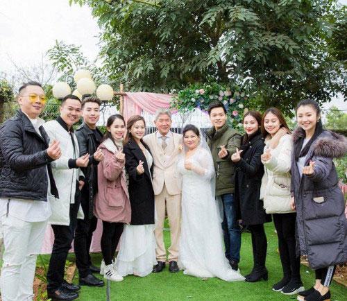 NSND Thanh Hoa lần đầu mặc váy cưới ở tuổi 67 - 2