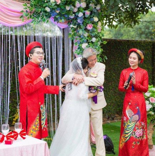 NSND Thanh Hoa lần đầu mặc váy cưới ở tuổi 67 - 3