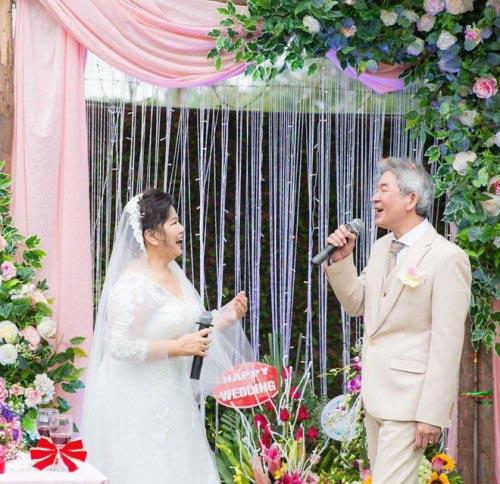 NSND Thanh Hoa lần đầu mặc váy cưới ở tuổi 67 - 4