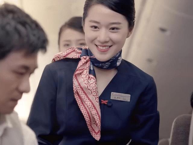 5 hãng hàng không có nữ tiếp viên gợi cảm nhất thế giới