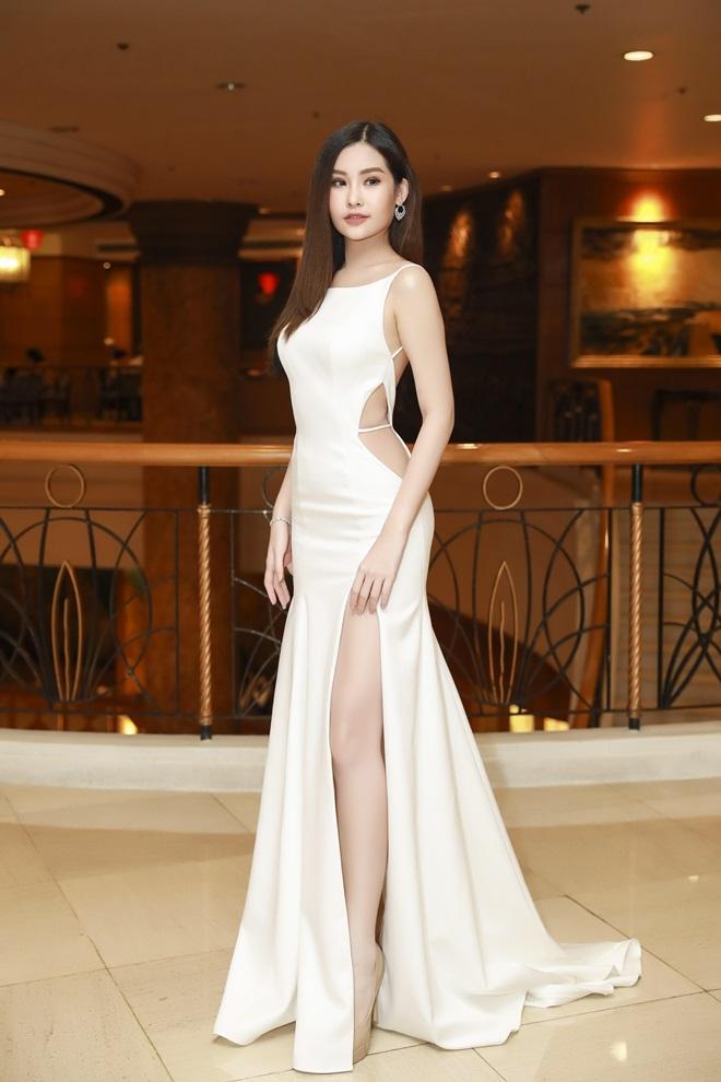 Hoa hậu Đại dương lần đầu lộ diện sau khi bị yêu cầu tước vương miện