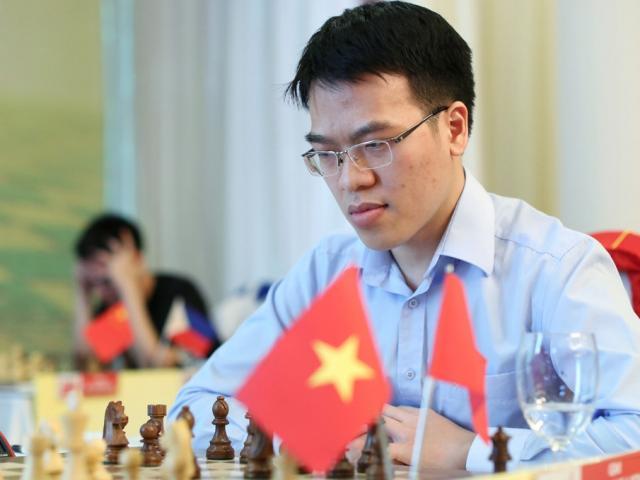 Vỡ òa cờ vua thế giới: Quang Liêm giăng bẫy hạ cao thủ, top đầu bảng xếp hạng 2