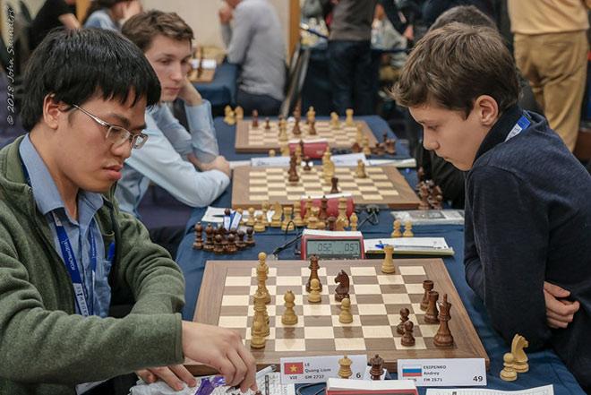 """Cờ vua thế giới: Quang Liêm hạ """"quái kiệt"""" Nga, dọa lấy ngôi nhà vô địch Mỹ 1"""