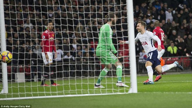MU ôm hận Tottenham: Mourinho và canh bạc thất bại với Sanchez 2